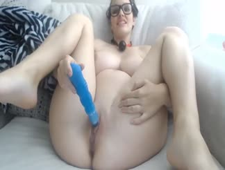 Pregnant girl fucking and masturbating on webcam